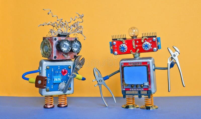 Industrie 4 0 concepts d'entretien de réparation de service Jouets robotiques de conception créative, outils de pinces d'argent d photographie stock