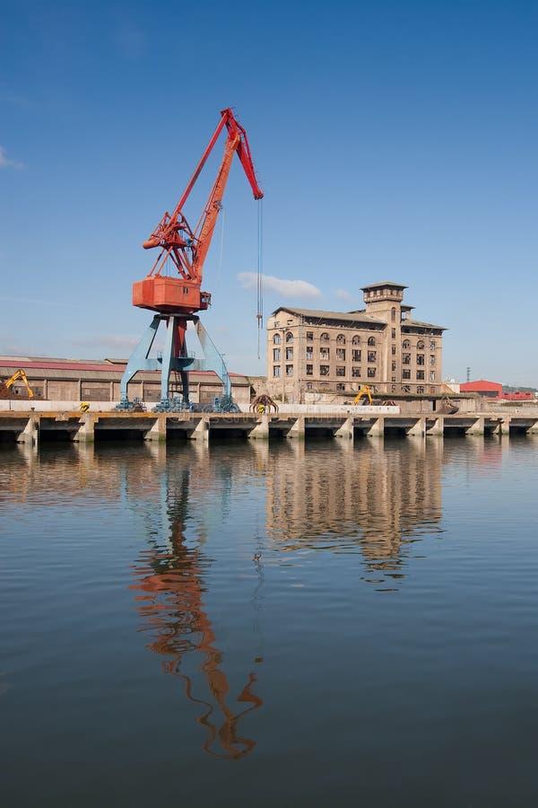 Industrie im Fluss von Nervion lizenzfreie stockfotografie