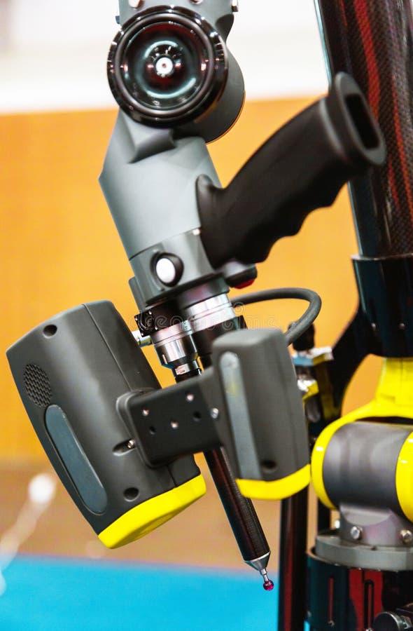 Industrieel robotwapen royalty-vrije stock fotografie