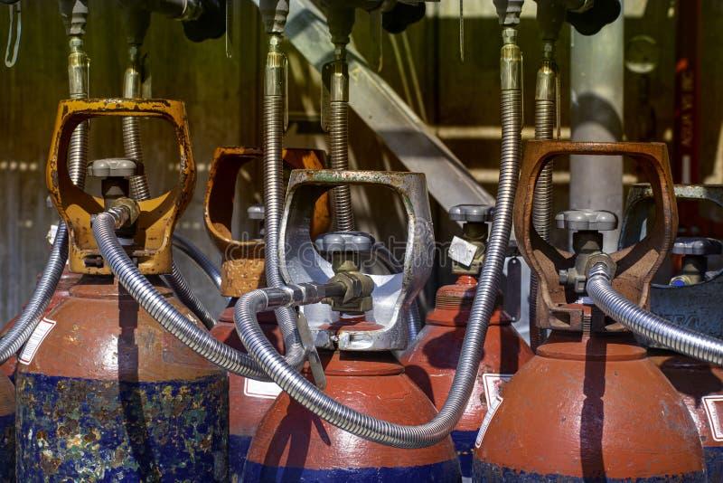 Industriegaszylinder lizenzfreie stockfotos