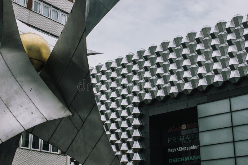 Industriegebäude in Dresden lizenzfreie stockfotografie