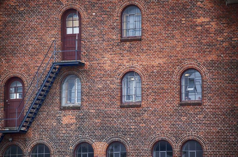 Industriegebäudefassade in Kopenhagen stockfotos