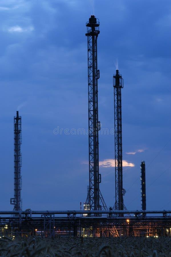 Industriegebiet - Erdölraffinerie stockfotografie