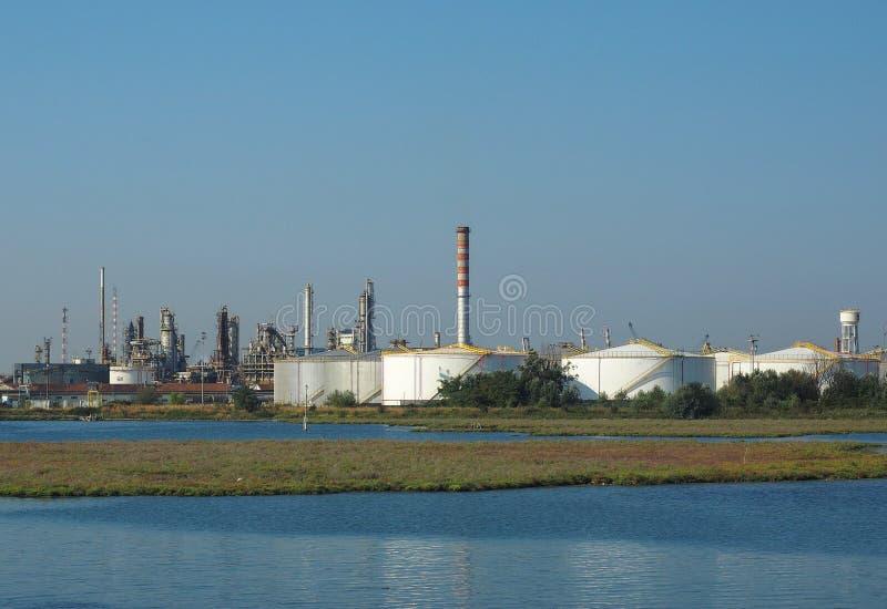 Industriegebiet Marghera in Venedig stockbild