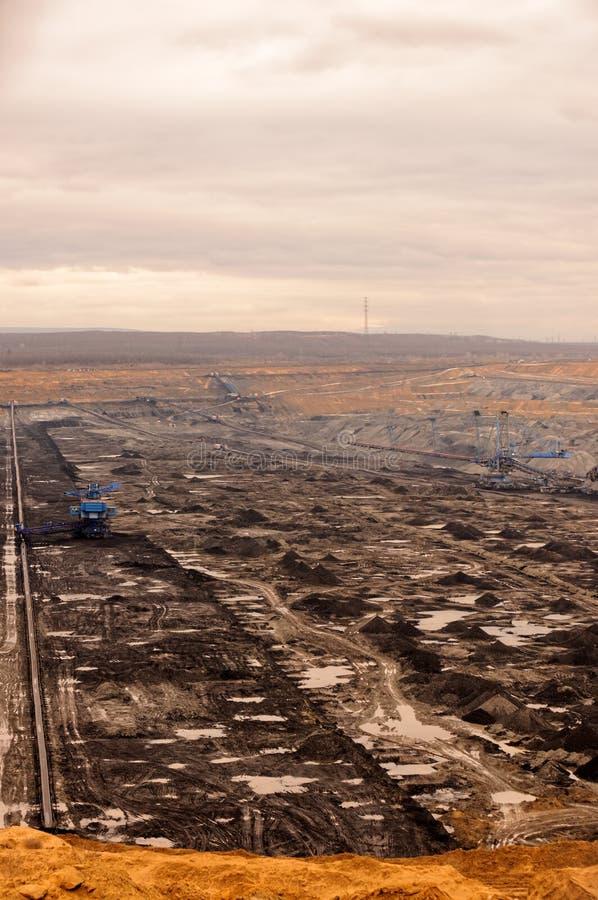Industrielandschaft eines Arbeitsbergwerkes lizenzfreies stockfoto