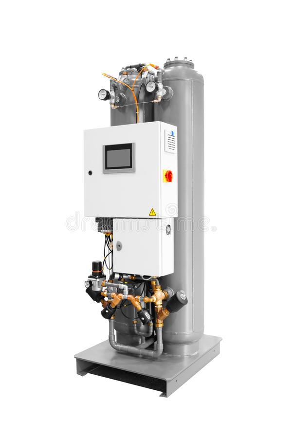 Industriell adsorptionväxt av luft till syre och gasformigt grundämne som isoleras på vit bakgrund arkivfoto