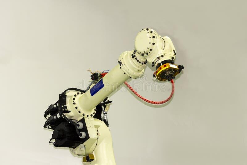 Industriell arm för svetsningsrobot för mig-elektrod eller fackla royaltyfri fotografi