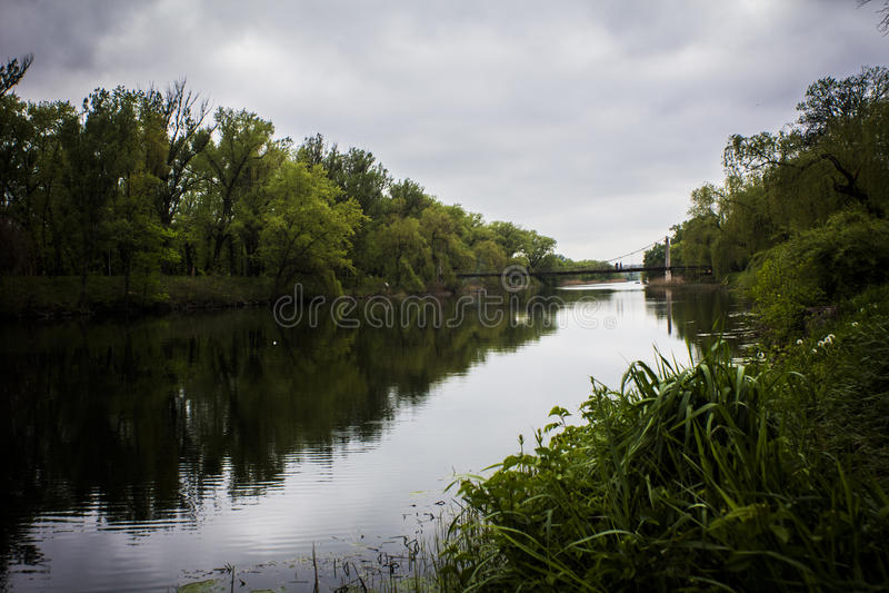 Industriell flod royaltyfria foton