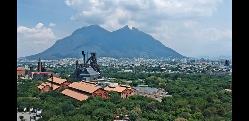 Industriell Fundidora parque royaltyfri bild