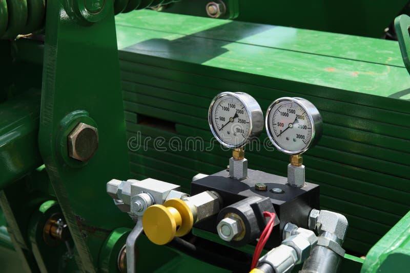 Industriell mång--etapp centrifugal pump med två mått royaltyfria bilder