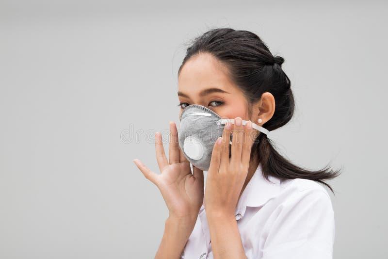 Industriell maskering e.m. 2 f?r universitetsstudentr?kning 5 royaltyfri bild