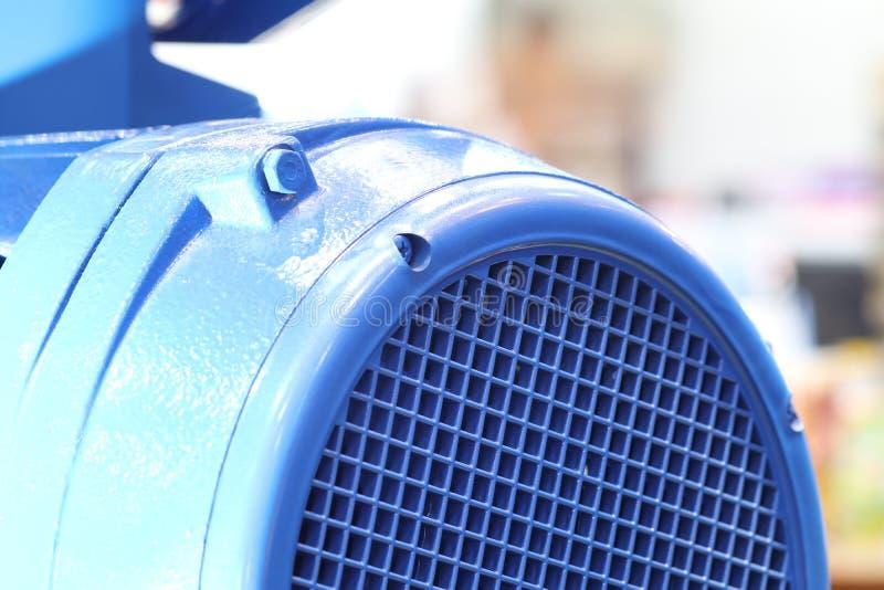 industriell motor, fokus på maskinvakten royaltyfri bild