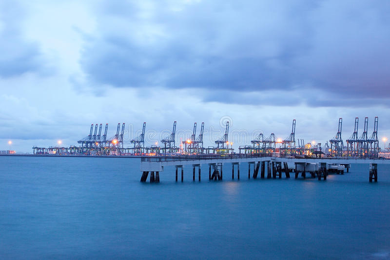 Industriell port för behållare, hamn i Singapore, Far East Asien royaltyfri foto