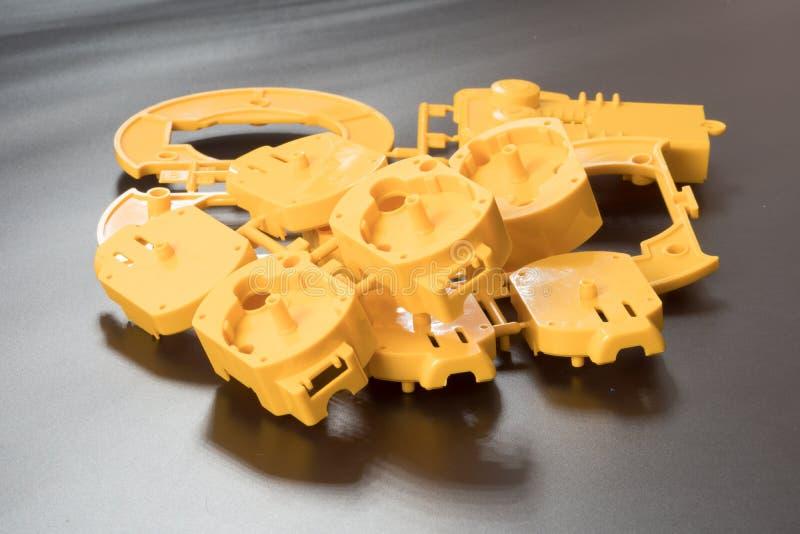 Industriell press för injektionstöpning tillverkningen av plast- p arkivfoton
