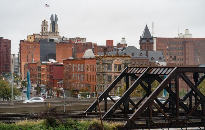 Industrielle Ansicht-im Stadtzentrum gelegene Stadt-Skyline Rochester New York stockbilder