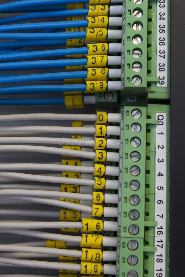 Industrielle elektrische Leitungen stockbilder