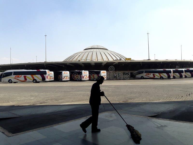 Industrielle Fabrikvororte transportieren Architektur in De Mexiko Mexiko City Ecatepec lizenzfreies stockfoto