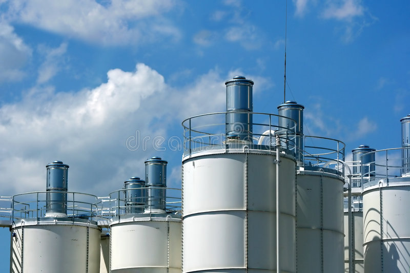 Industrielle Kontrolltürme stockbilder