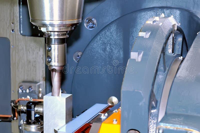 Industrielle Metallarbeitswerkzeugmaschine lizenzfreies stockfoto