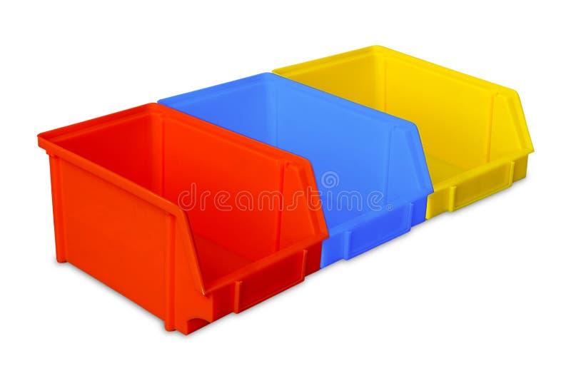 Industrielle Plastikteilbehälter stockfoto