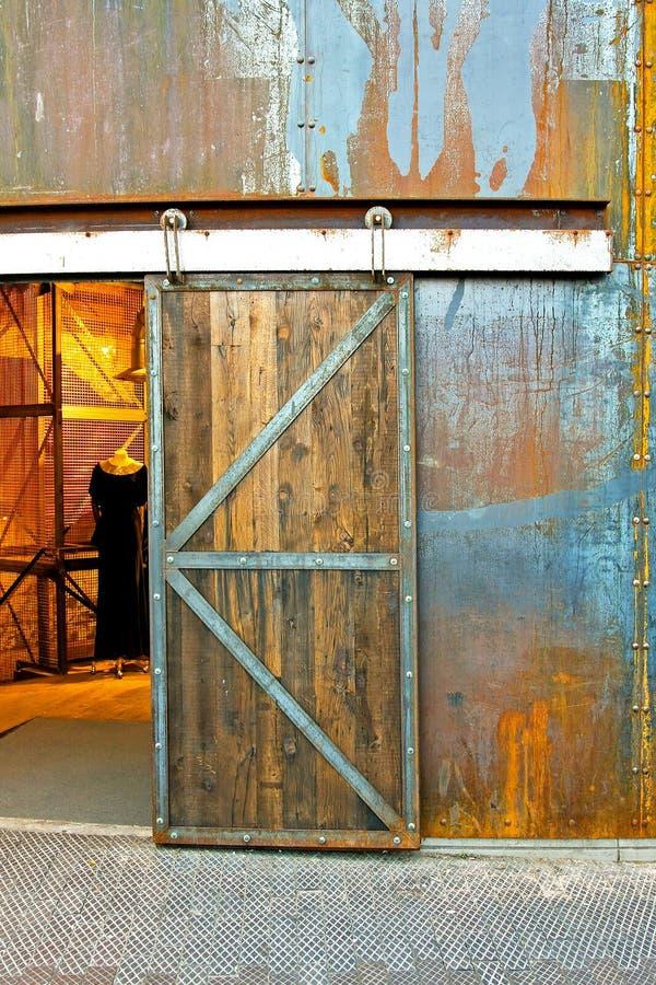 Industrielle Tür lizenzfreies stockfoto