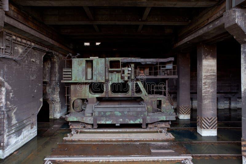 Industrieller Aufzug Landschaftspark, Duisburg, Deutschland des Stromgenerators stockfotografie