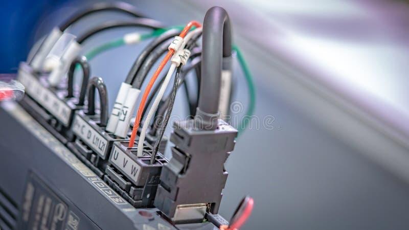 Industrieller elektrischer Stecker auf Gerät stockfoto