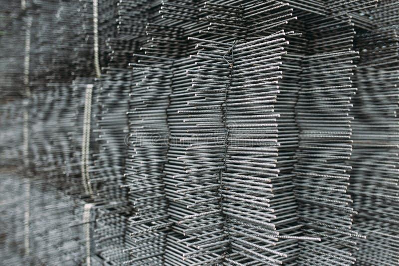 Industrieller Hintergrund Metall-Gitters Metallisches Gitter, horizontales Foto lizenzfreie stockfotos