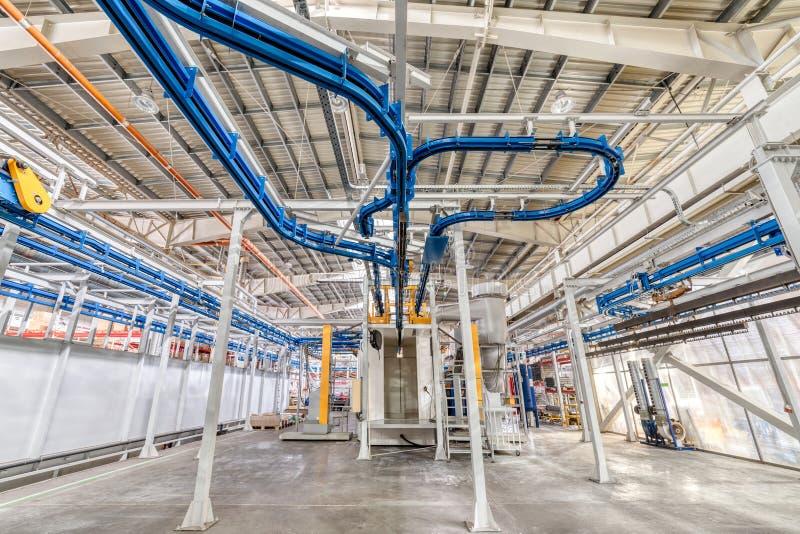 Industrieller Innenraum Werkstatt ausgerüstet mit Förderern lizenzfreie stockfotografie