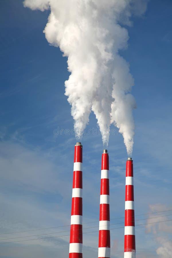 Industrieller Rauch-Stapel lizenzfreie stockbilder