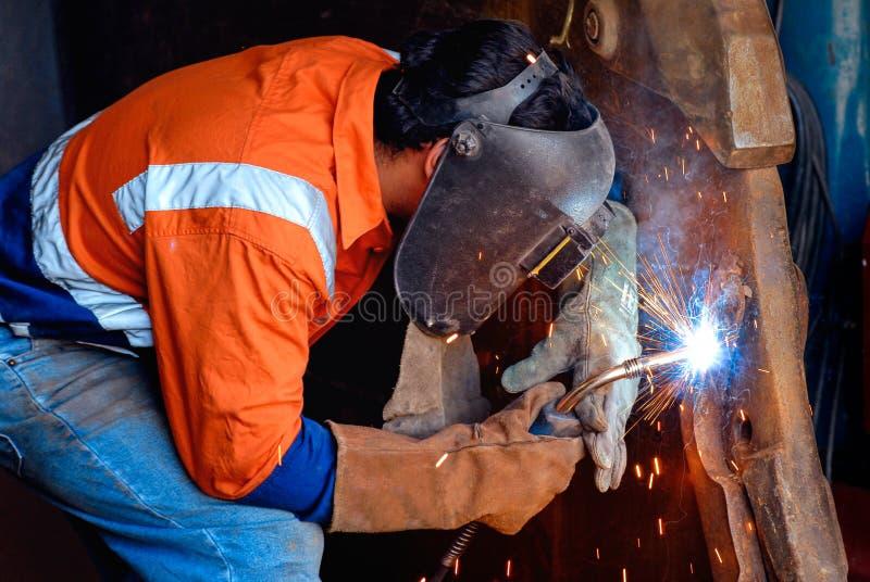 Industrieller Schweißer lizenzfreie stockfotografie