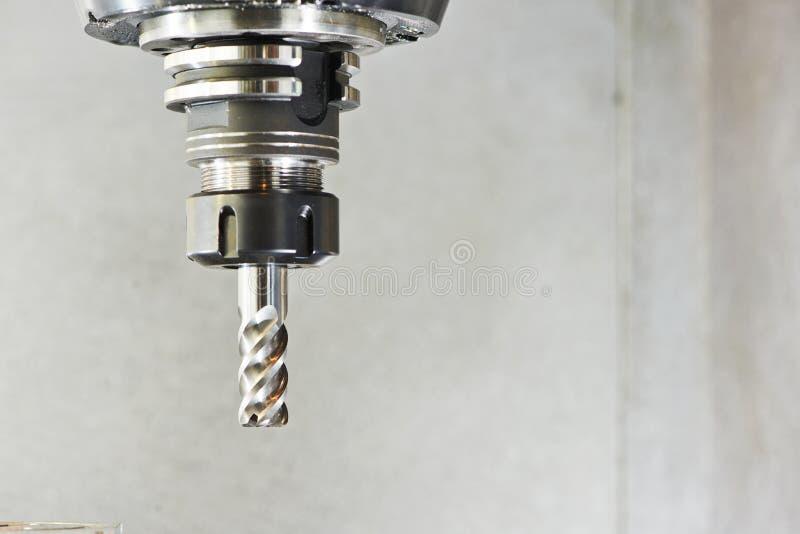 Industrielles Fräsmaschinewerkzeug mit Mühle lizenzfreie stockfotos