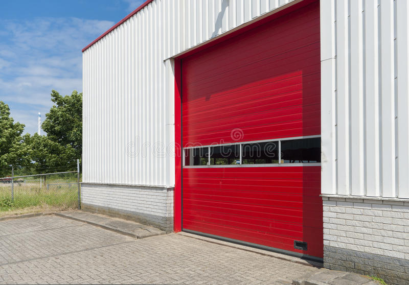Download Industrielles Lager stockbild. Bild von deliver, fassade - 26365603