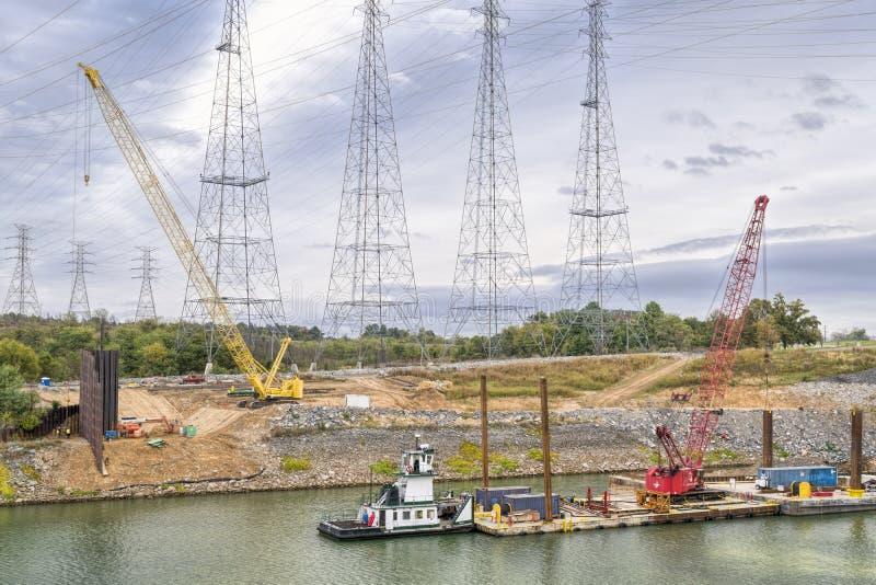 Industriellt landskap på den Tennesse floden fotografering för bildbyråer