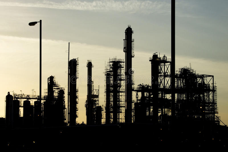 industriellt raffinaderi arkivbilder
