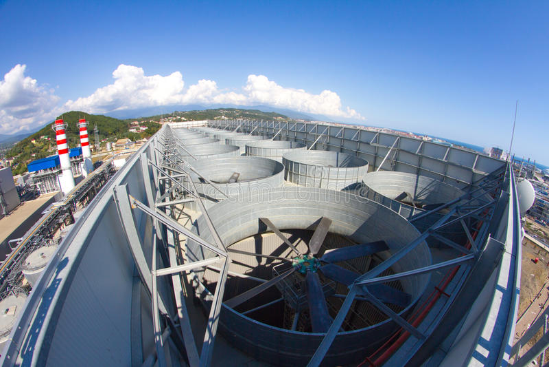 Industriellt ventilationssystem, tak av växten royaltyfri foto