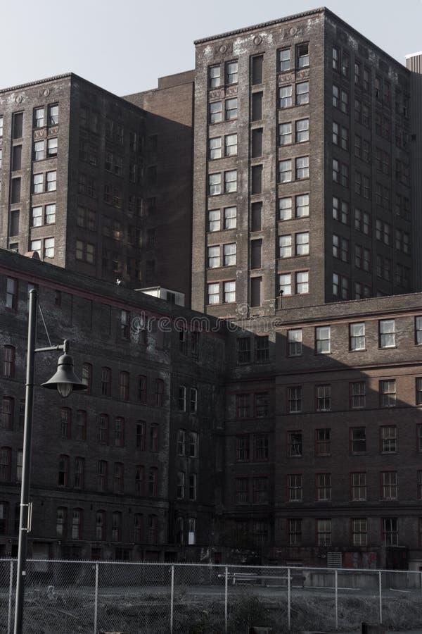Industriepark-Gebäude-Komplex stockfoto