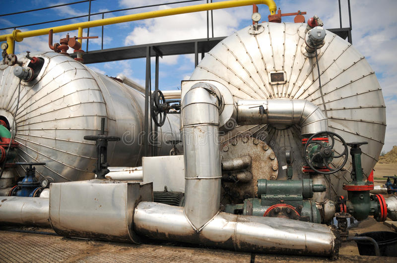 Download Industries Of Oil Refining And Gas Royalty Free Stock Images - Image: 28546729