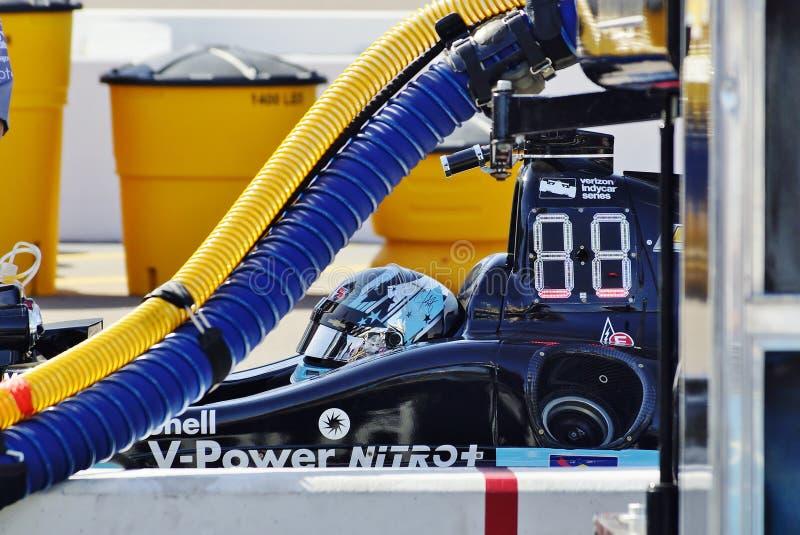 Indycar chaufför Josef Newgarden på den Phoenix kapplöpningsbanan April 2017 royaltyfri fotografi
