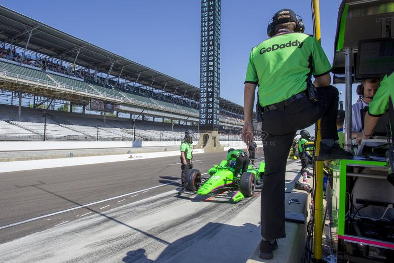 IndyCar: May 25 Indianapolis 500. May 25, 2018 - Indianapolis, Indiana, USA: The Verizon IndyCar teams take to the track for the final practice for the stock photos