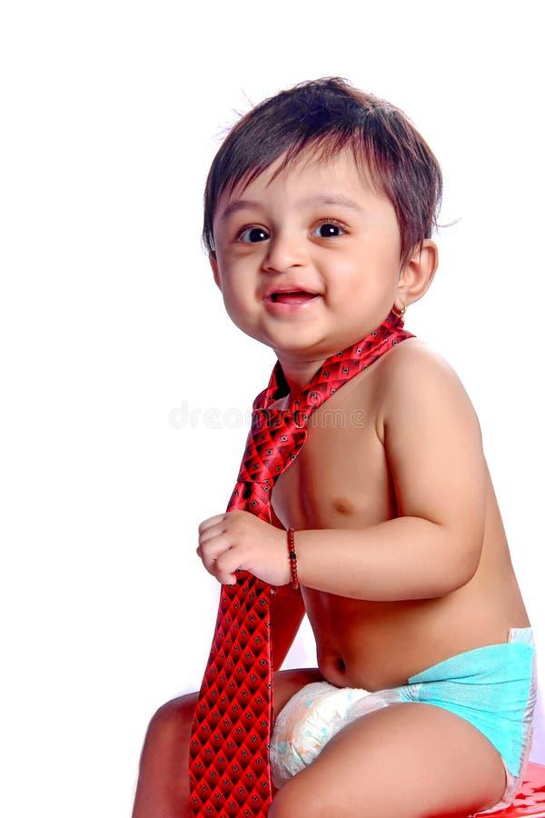 indyjska chłopiec z krawatem obrazy stock