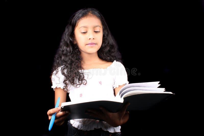 indyjski dziewczyny studiowanie fotografia stock