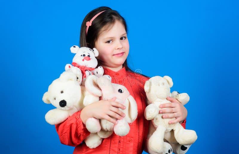 Infância feliz Aniversário Criança em casa Toy Shop O dia das crianças Melhor amigo Menina que joga na sala de jogos Aperto imagem de stock