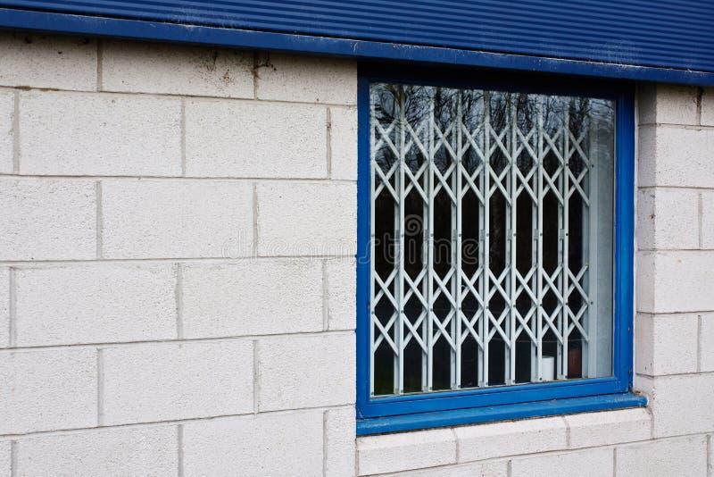 Infällbara fönstersäkerhetsportar royaltyfri fotografi