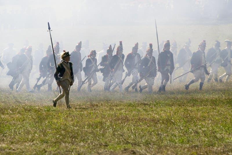A infantaria clara continental ataca o Redoubt no. 10 imagem de stock