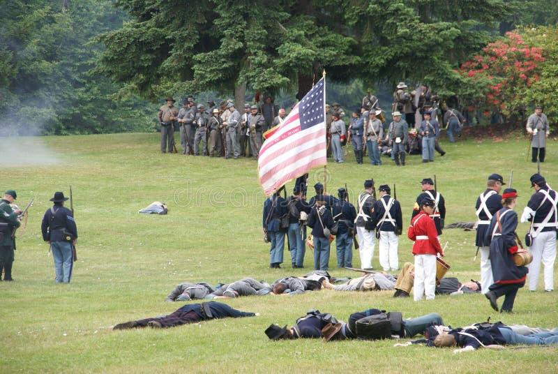 A infantaria da união prende sua linha fotografia de stock