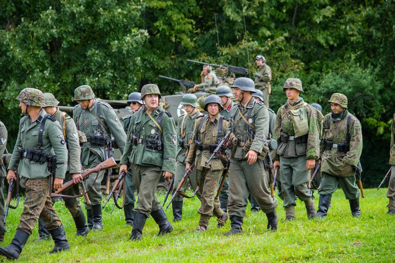 Infanterie allemande sur la marche photographie stock libre de droits