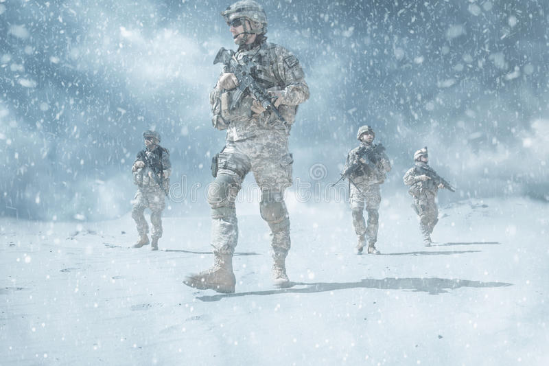Infantrymen στη δράση στοκ φωτογραφία με δικαίωμα ελεύθερης χρήσης