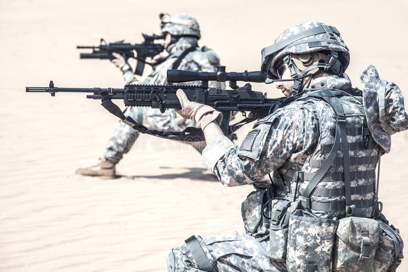 Infantrymen w akci zdjęcie stock