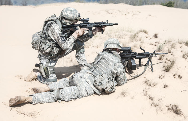 Infantrymen w akci zdjęcia royalty free